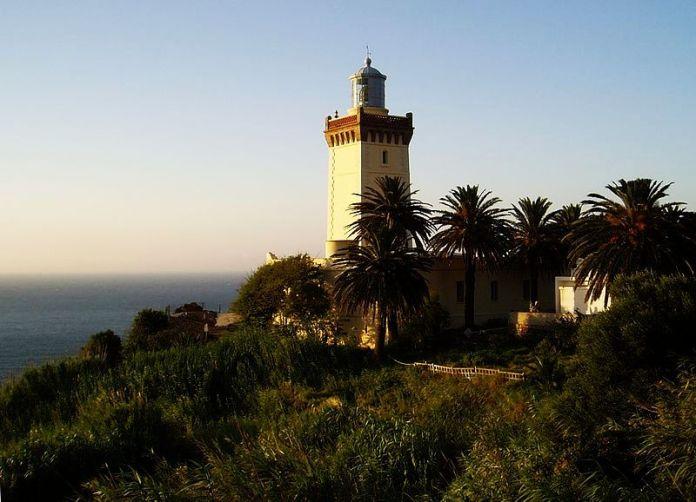 800px-Faro_de_Cabo_Espartel