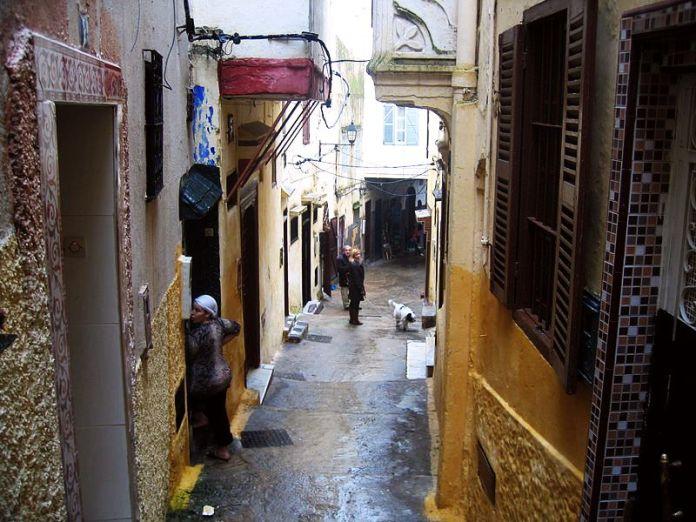 800px-Tangier_street_in_old_Medina