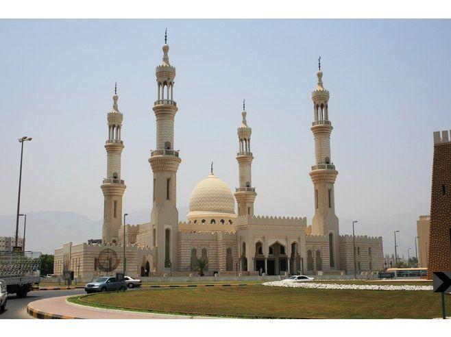 5856514-Dibba_Mosque_Fujairah