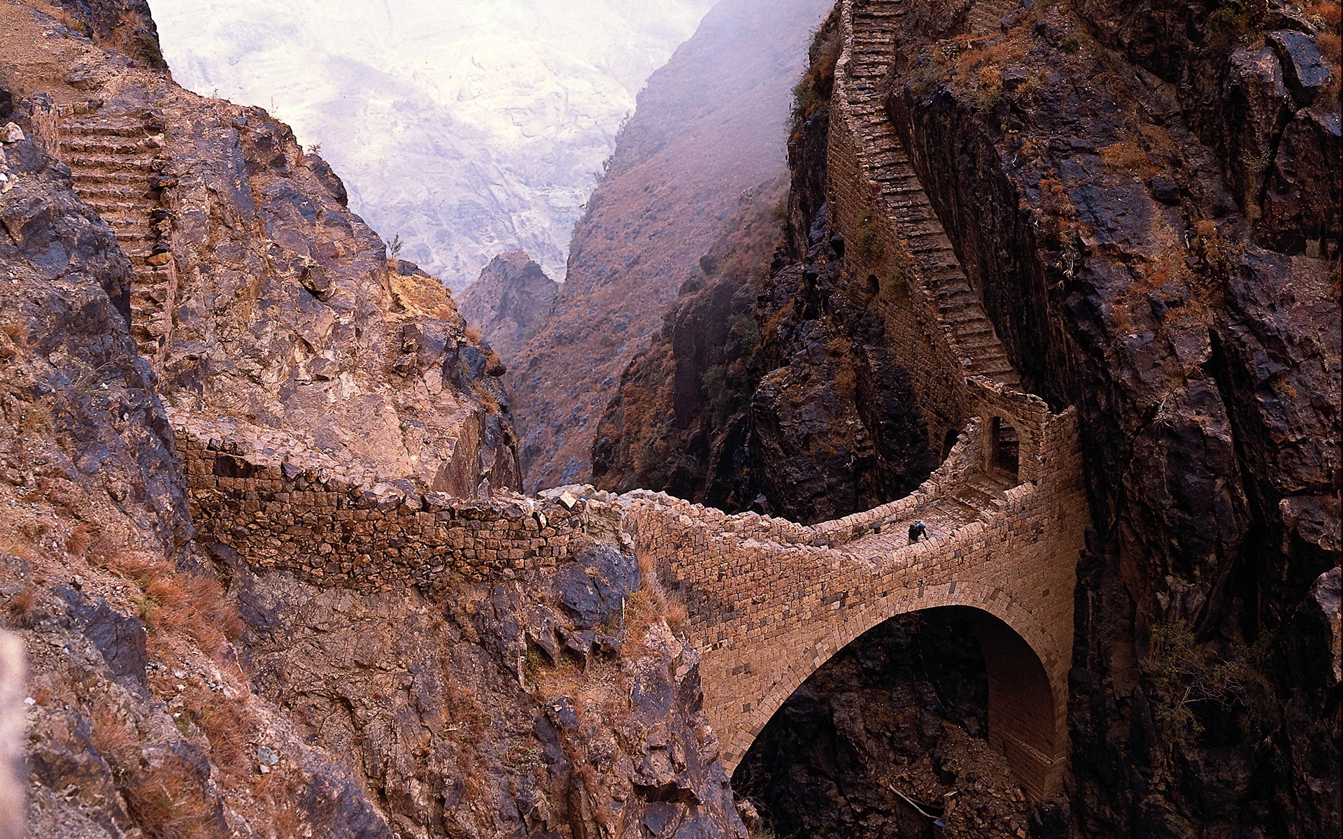 marvelous shahara bridge yemen middle east revised
