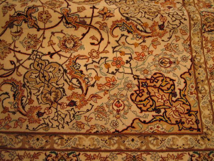 800px-Rug_esfahan_detail