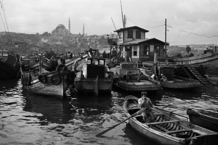 Boatmen at the repair wharf. İstanbul 1956