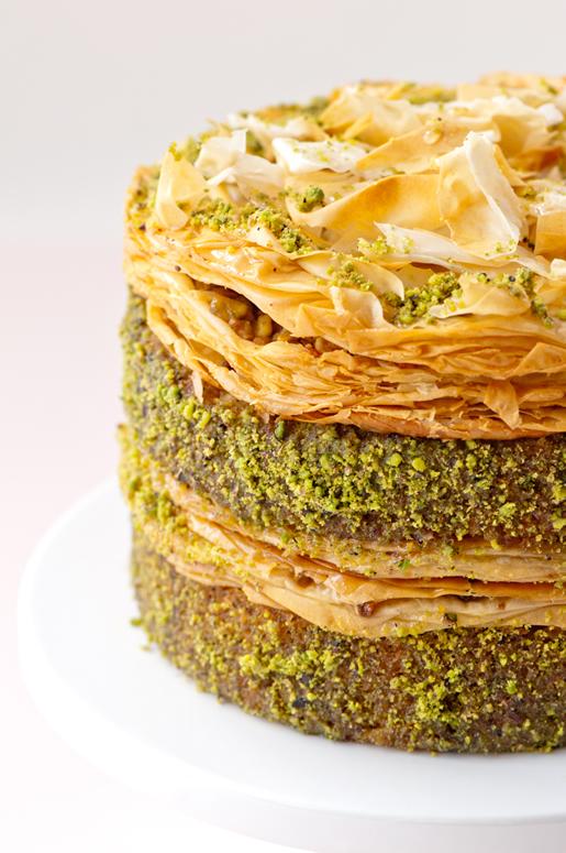 pistachio baklava cake - twist