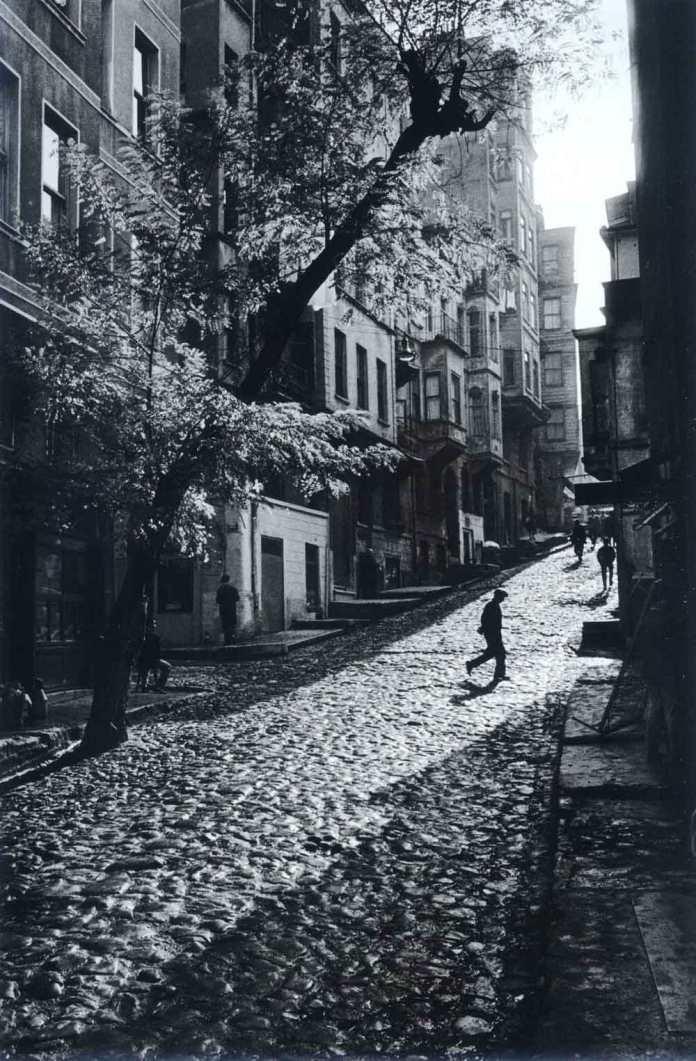 street in tarlabasi, istanbul