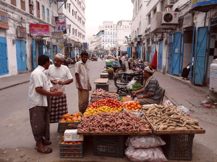 Trading_on_the_Al_Mukalla_street_Yemen_08_Feb_2010