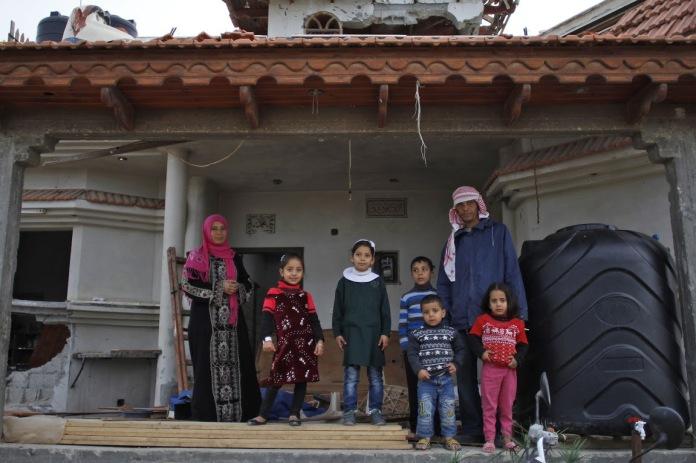 Jehan_Abu_Dagga-family2