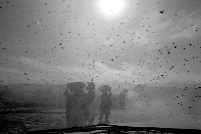 AFGHANISTAN. . Southeast region. On the road to Tora Bora refugees escaping from the conflict areas. 2001.
