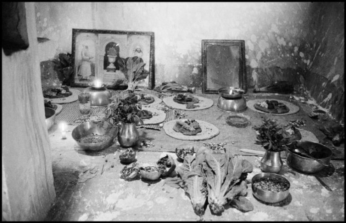 IRAN. Yazd. 1956. Offerings in a Zoroastrian chapel.